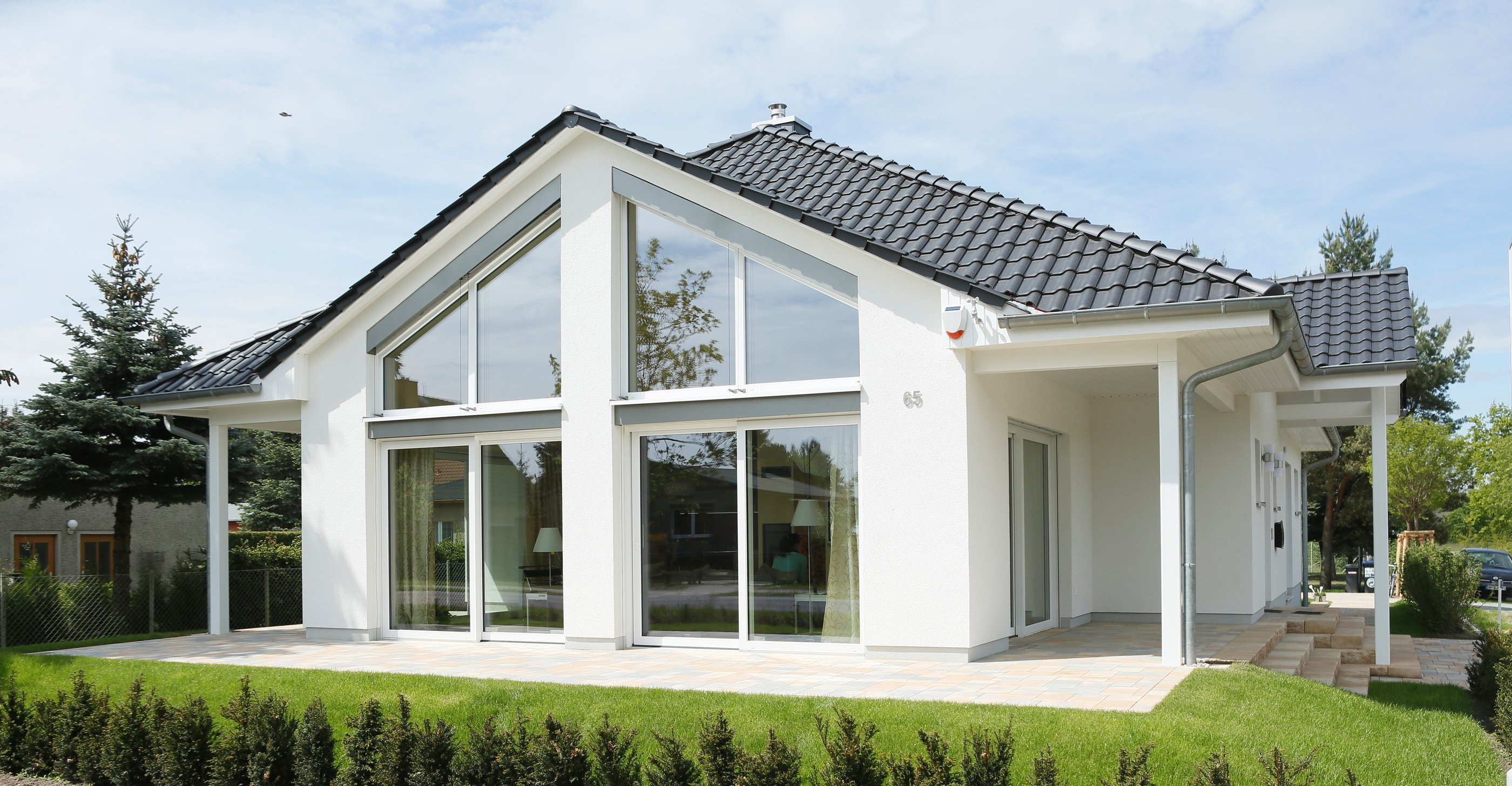 Heinz von Heiden BUngalow Musterhaus Oranienburg große Dreiecksfenster