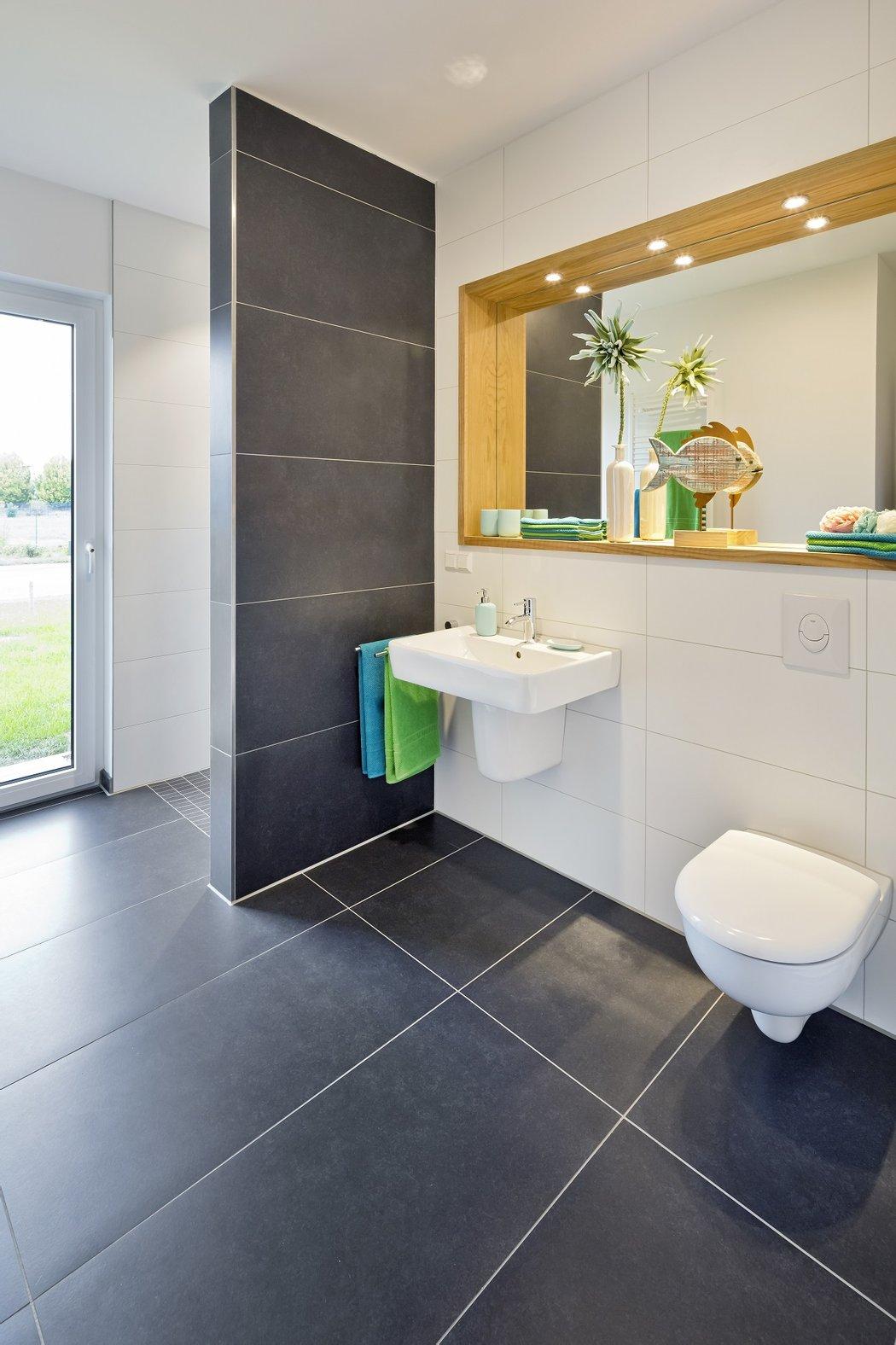 Gäste WC  gemauerte Duschee