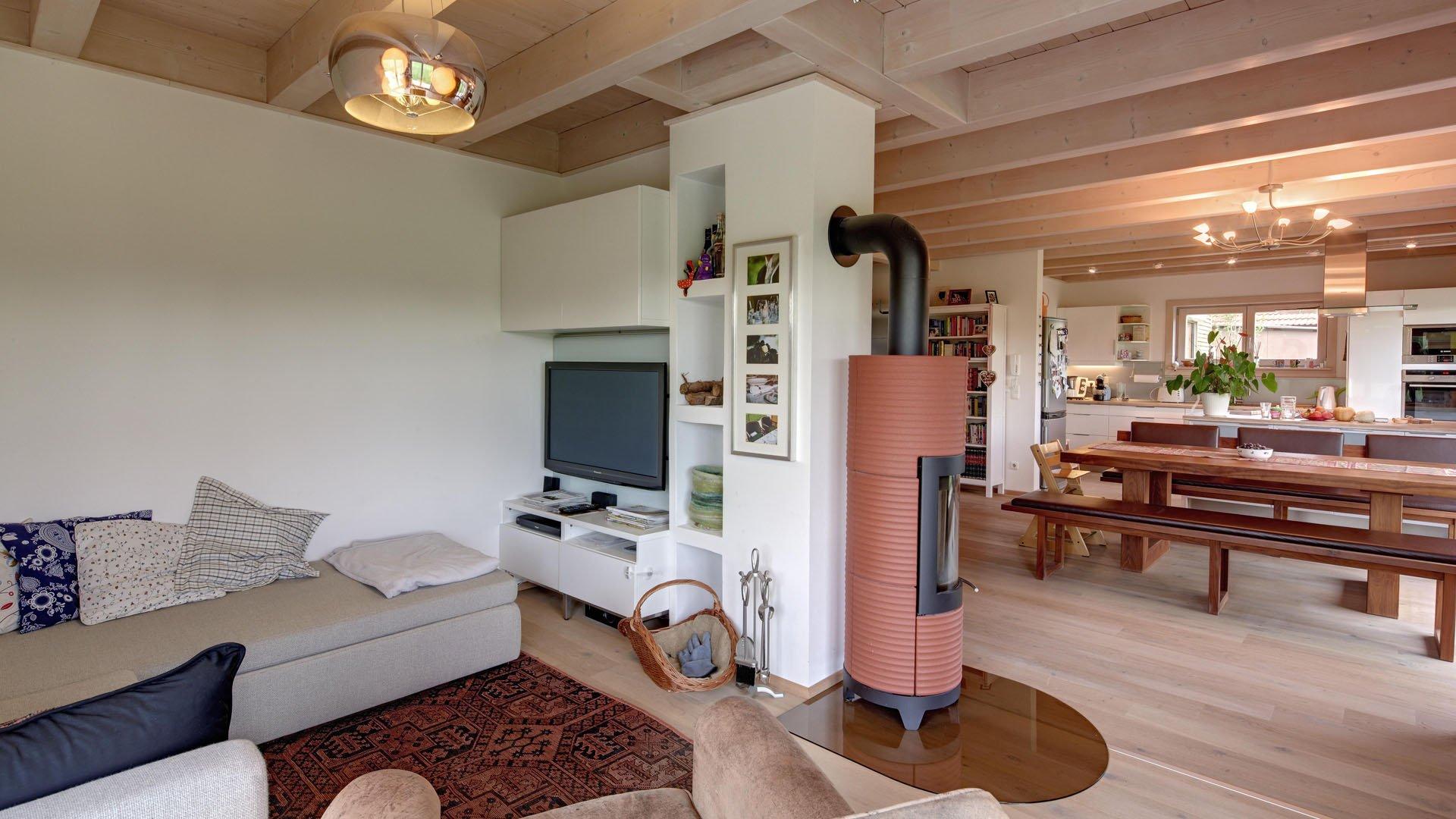 Wohn-/Esszimmer mit Kaminofen