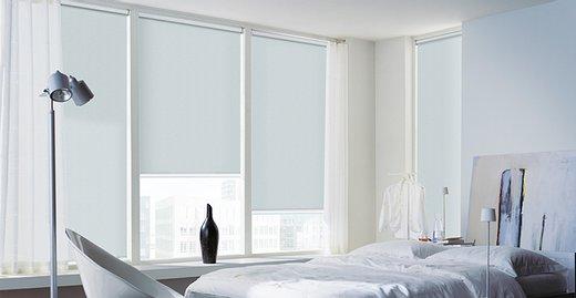 Clean und geradlinig mit den Verdunkelungs-Rollos der Marke Luxaflex®