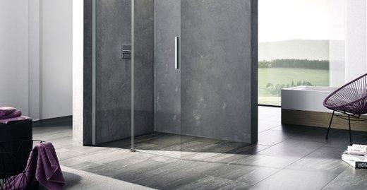 Die transparente Duschkabine NICA als offen zugängliche Walk-In Lösung und als eleganter Badewannenaufsatz. Beide Ausführungen der Serie sind mit einem Gleittürsegment und einem Festfeld ausgestattet, die Stabilisierung zur Wand gibt den sicheren Halt. Die Türen lassen sich dank dem für NICA charakteristischen serienmäßigen Soft-Open- und Soft-Close-Mechanismus einfach und platzsparend zurückschieben.