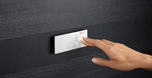 Ohne Strom: Für die Installation der Fernauslösungen ist kein Stromanschluss nötig, denn die Spülung wird über den Leitungsdruck ausgelöst.