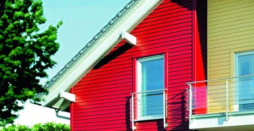 Auch die leuchtenden Farben der skandinavischen Holzhäuser gibt es von Consolan.