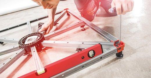 Der Einbau von ACO ShowerFloor geht schnell voran: Das System wird auf Wunsch auch vorkonfektioniert geliefert.