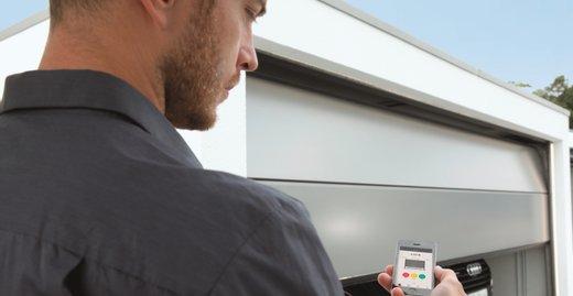 Mit ZAPF Connect lässt sich die Garage auch via App steuern.