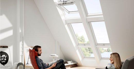 Mit großen Lichtlösungen können Bewohner das Licht ins Haus holen und so von den positiven Effekten profitieren.