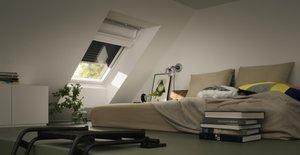 Die Helligkeit austricksen – Ein verdunkeltes Schlafzimmer erleichtert die Zeitumstellung
