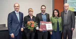 Die Zahna-Fliesen GmbH bringt von der Europäische Leitmesse für Denkmalpflege, Restaurierung und Altbausanierung in Leipzig begehrte Goldmedaille mit