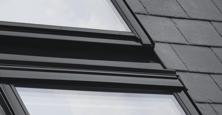 Der Rahmen und sämtliche Teile wie Abdeckbleche, Plastikteile und Flügel sind schwarz lackiert.