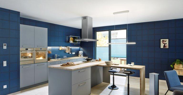Frames by Franke bündelt alle sichtbaren Elemente der Speisenvor- und Zubereitung in einem intelligenten System. Passend zu den aktuellen Küchentrends bietet Franke die Komponenten auch in der Trendfarbe Champagner an.