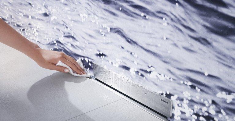 Duschen mit Komfort: Mit dem Duschelement lassen sich barrierefreie Duschflächen einfach verwirklichen.