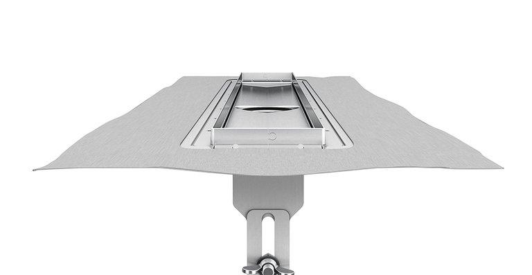 Die neue, höhenverstellbare Edelstahl-Duschrinne ACO ShowerDrain E+ mit umlaufenden Flansch.