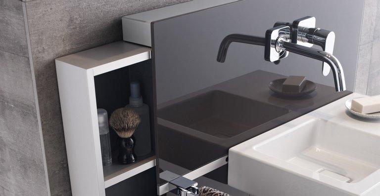 Ganz schön praktisch: Der Geberit Monolith für den Waschtisch ist mit Auszügen wahlweise links, rechts oder beidseitig erhältlich.