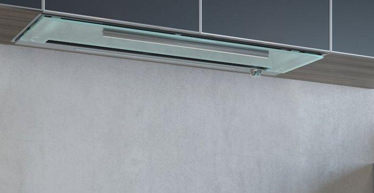 Die reinigungsfreundliche Glasunterseite und eine flächenbündig verbaute LED-Leiste machen die neue Maris besonders pflegeleicht.