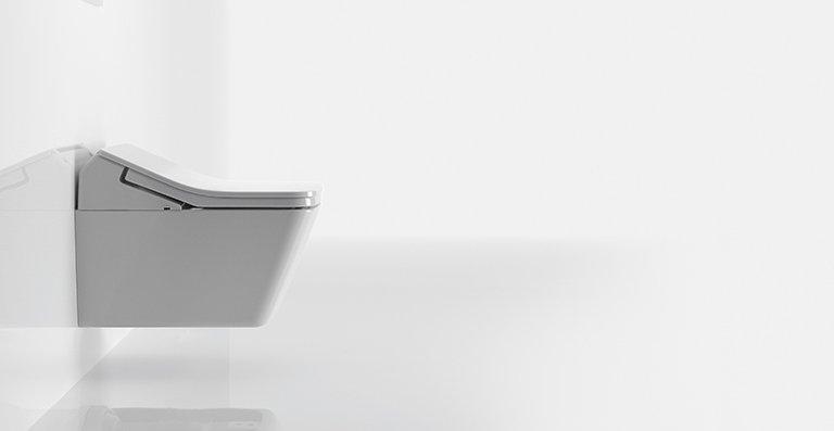 Auch das Modell SX integriert die bewährten TOTO Komfort-Technologien, die von Reinigungsfunktionen bis hin zum individuellen Anpassen des Wasserdrucks und der D_senposition reichen.