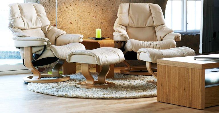 Bequem, beständig, beliebt –  das Sessel-Modell Stressless Reno ist in vielfältigen Ausführungen erhältlich und bietet ein wunderbares Entspannungs-Erlebnis.