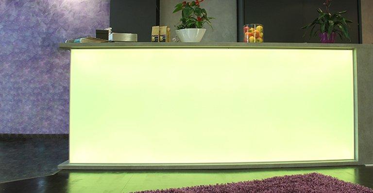 Auch Thekenbeleuchtungen sind mit LEDscreen® möglich.