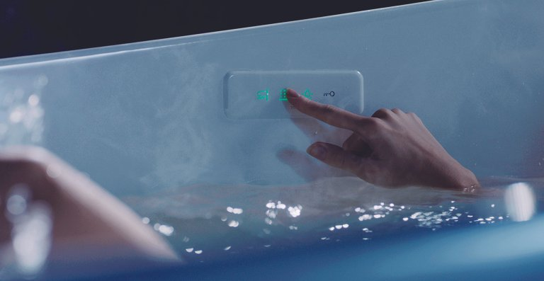 Alle Funktionen der neuen TOTO Floating Badewanne sind mühelos und bedarfsgerecht durch ein Kontroll-Paneel auf der Wanneninnenseite zu steuern.