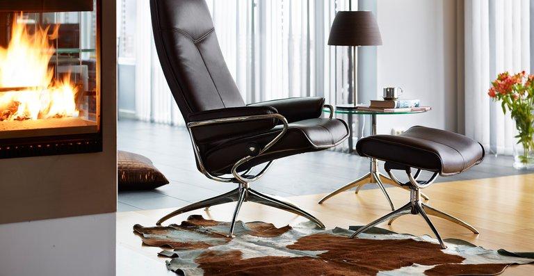 Der trendige Stressless City Relaxsessel High Back bietet klares skandinavisches Design kombiniert mit unvergleichlichem Sitzkomfort.