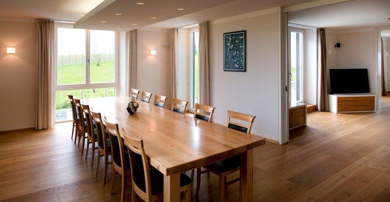 Holzfenster von Kneer-Südfenster garantieren Langlebigkeit und ein gutes Wohlfühlklima. Sie sind auf ihre wohngesunde Eignung geprüft.