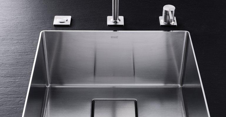 Die neuen KWC Becken sind alle mit dem am Markt bislang einzigartigen Ghost Overflow ausgestattet: Der Überlauf ist unsichtbar im Ablauf der Spüle integriert.