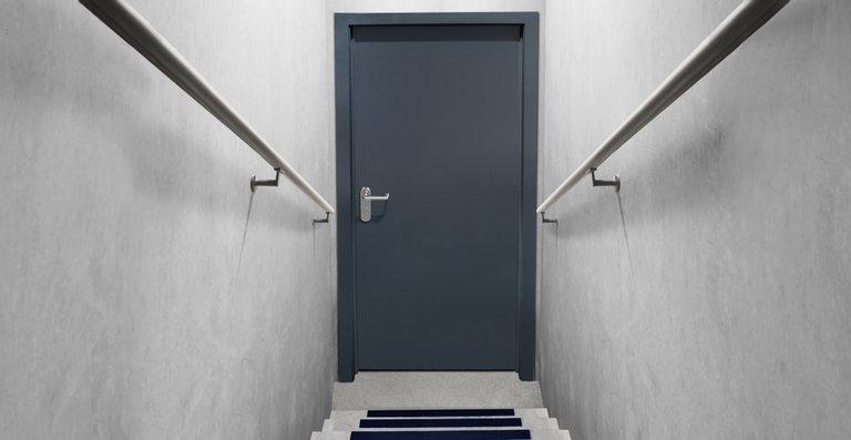 Merkmale einer Keller-Sicherheitstür. Das Teckentrup-Modell erfüllt so die Kriterien der Widerstandsklasse RC 2.