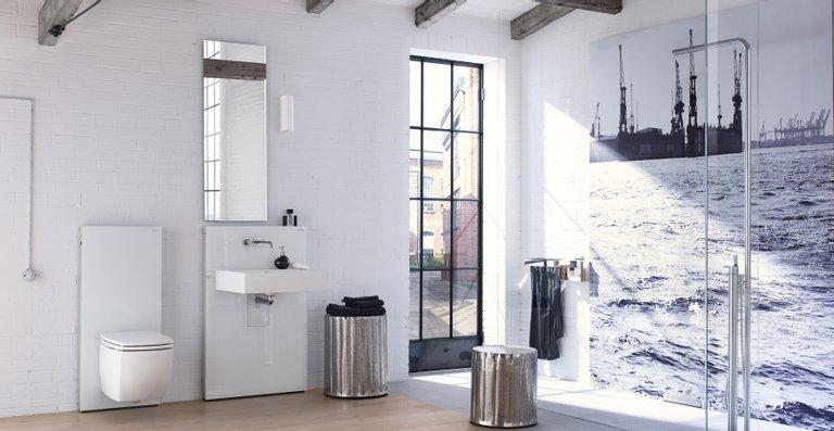 Von Grund auf elegant: Die Verlegung des Duschablaufs in die Wand ermöglicht es,  den Bodenbelag unterbrechungsfrei zu gestalten.