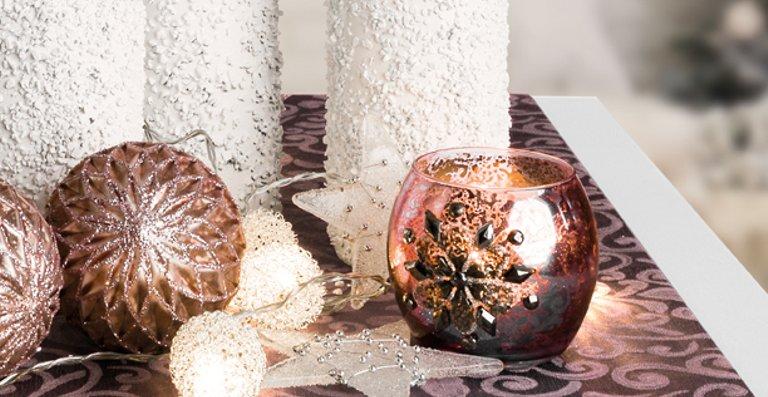 Schöne Winter-Deko durch Einsatz des Studio Home Decor Sprühgerätes von WAGNER.