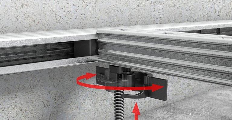 Ein wesentlicher Vorteil von ACO ShowerFloor verglichen mit anderen befliesbaren Duschflächen: die einfache, stufenlose Höhenanpassung und Gefällejustierung.