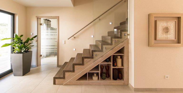 Eingangsbereich mit Treppe Copyright: FingerHaus