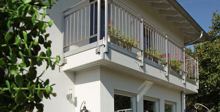 Außenansicht Balkon Copyright: FingerHaus