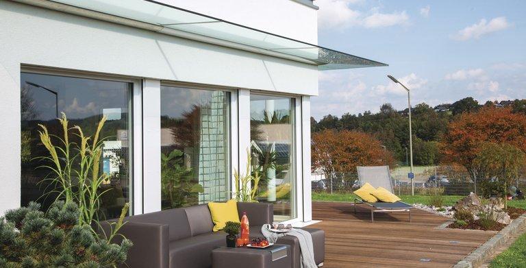 Die offene Terrasse lädt zum Verweilen ein Copyright: WeberHaus