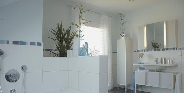 Modernes Badezimmer Copyright: WeberHaus