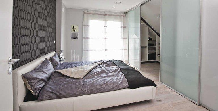 Elternschlafzimmer mit Ankleide Copyright: WeberHaus