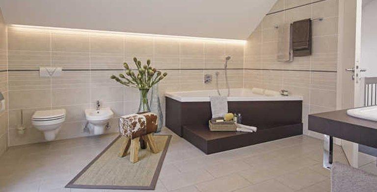 Modernes Badezimmer zum Wohlfühlen Copyright: WeberHaus