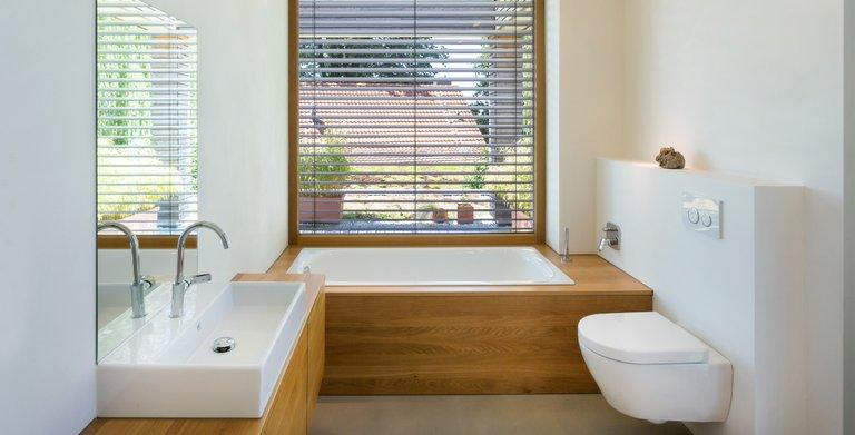 Kleines aber modern ausgestattenes Badezimmer. Perfekt für Zwei.
