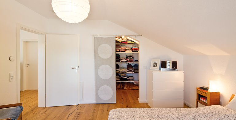 Schlafzimmer mit Ankleidezimmer Copyright: FingerHaus