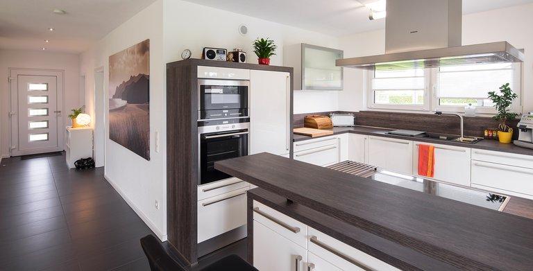 Küche und Flur Copyright: FingerHaus