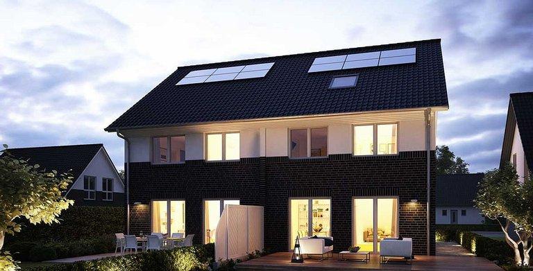 Die individuelle Fensteroptik mit bodentiefen Fenstern auf der Giebelseite sorgt für viel Licht-sogar im ausbaufähigen Dachgeschoss. Copyright: