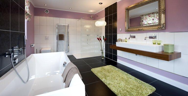 Das separate Badezimmer für die Eltern ist luxuriös ausgestattet. Copyright: Heinz von Heiden GmbH Massivhäuser
