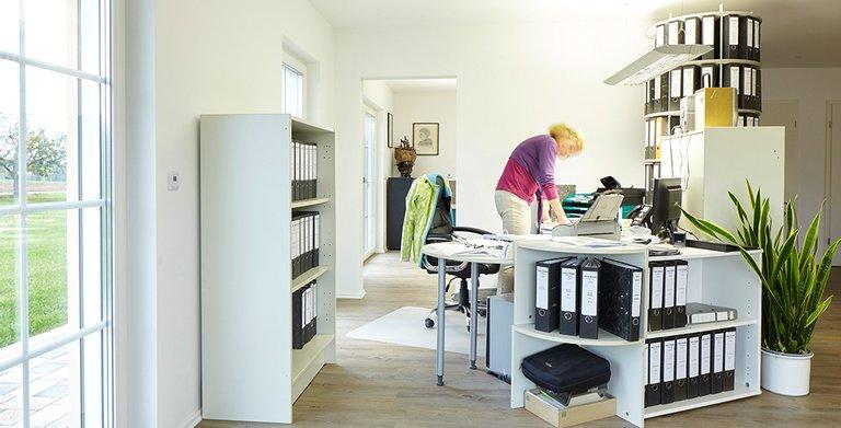 Im Haus ist ein Büro für freiberufliche Tätigkeit integriert Copyright: Wolf-Haus