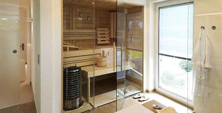 Im Wellnessbad mit Wanne und großer Dusche, bleibt auch noch Platz für eine Sauna. Copyright: