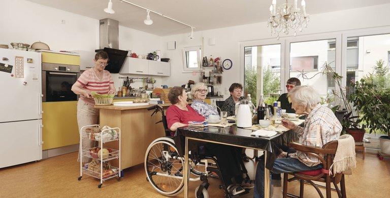 """Gemeinsam leben im """"WIGWAM"""" (""""Wohnen In Gemeinschaft Wertschätzend Achtsam Miteinander"""") Copyright: WeberHaus"""