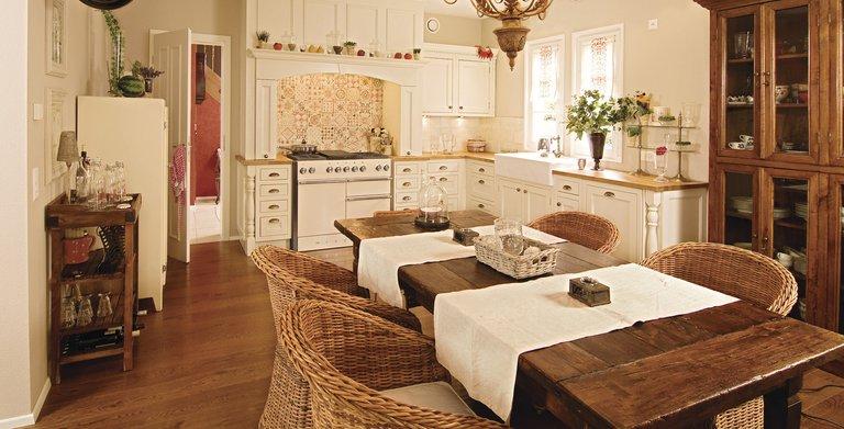 Das ländlich-romantische Ambiente setzt sich auch in der Gestaltung des Innenbereiches fort. Copyright: WeberHaus