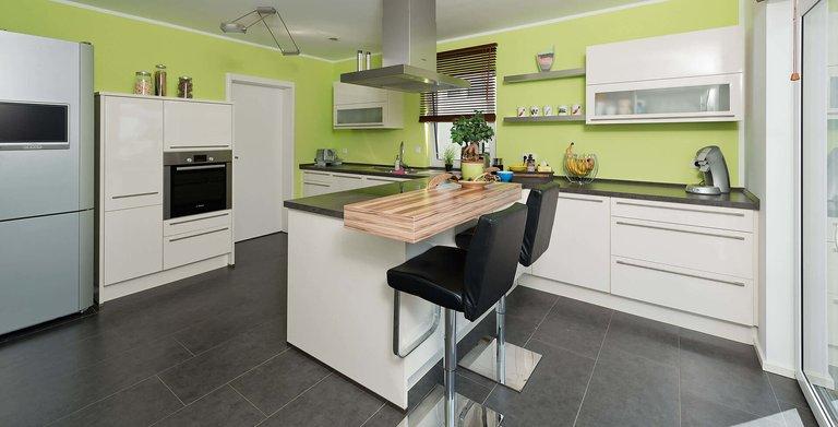 R 113.10 Küche  Copyright: