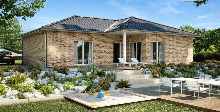Vielseitiger Kern-Haus Bungalow Balancer mit attraktiver Klinker-Fassade, Gartenansicht Copyright: