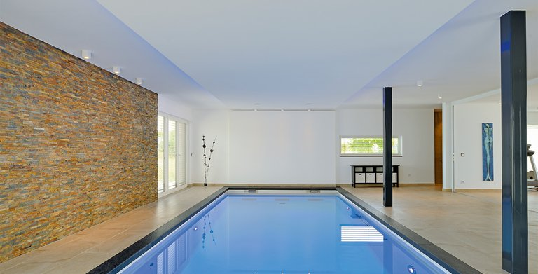 Naturholzhaus Azur Schwimmbad mit Gegenstromanlage Copyright: