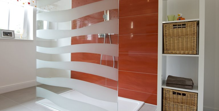 Im eigenen Badezimmer haben auch die Kleinen ihr eigenes Reich. Copyright: Heinz von Heiden GmbH Massivhäuser