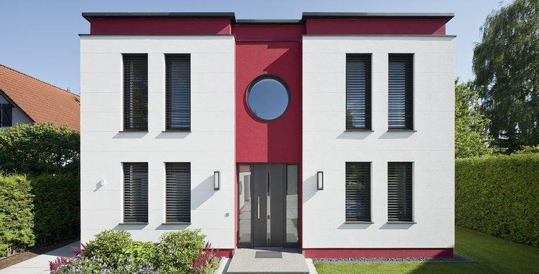 Stadtvilla Cubatur im puristischen Bauhaus-Design.