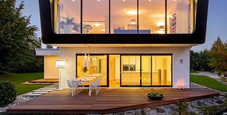 Ausgezeichnete Innovation: Gesamtsieger als der Beste beim Golden Cube mit Musterhaus Ambienti+ Copyright: © Regnauer Hausbau